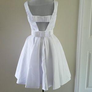 Dresses & Skirts - White dress (wedding, white party, prom)